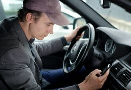 Cell Phone in your Car? Top 5 Do's and Don'ts